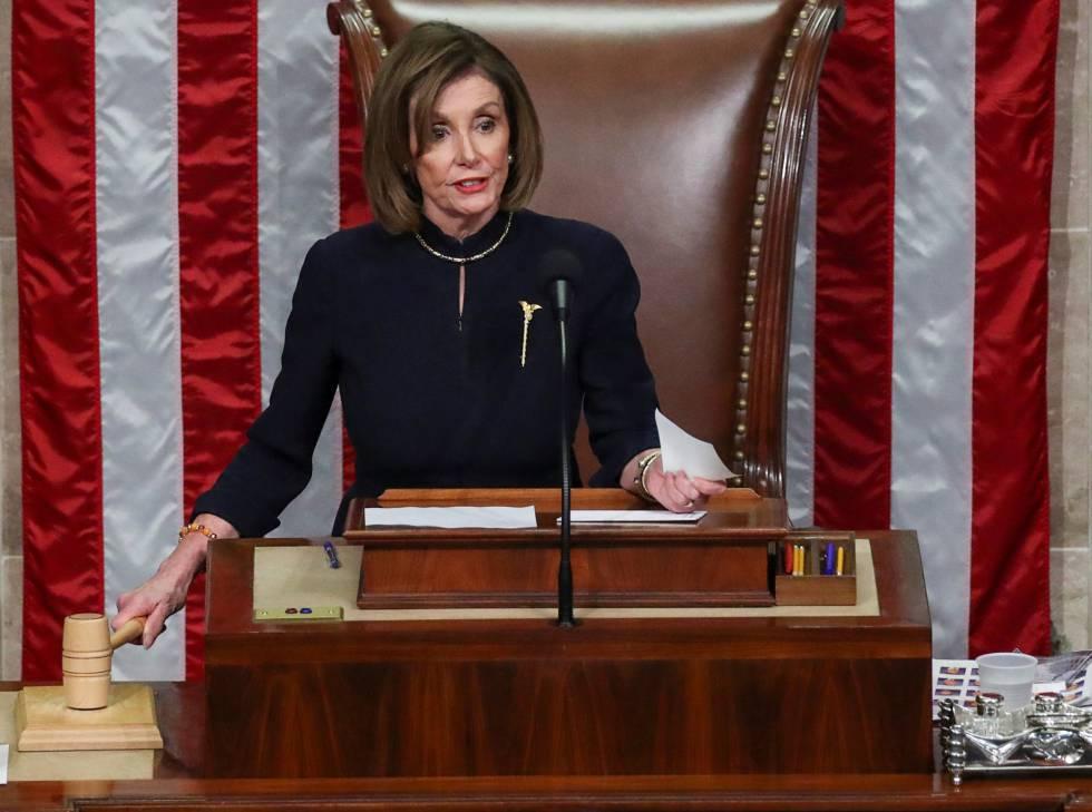 Nancy Pelosi durante la sesión de la Cámara de Representantes.