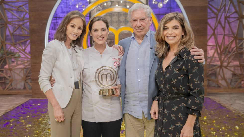 Isabel Preysler, Tamara Falcó, Mario Vargas Llosa y Xandra Falcó, tras la final de 'MasterChef Celebrity'.