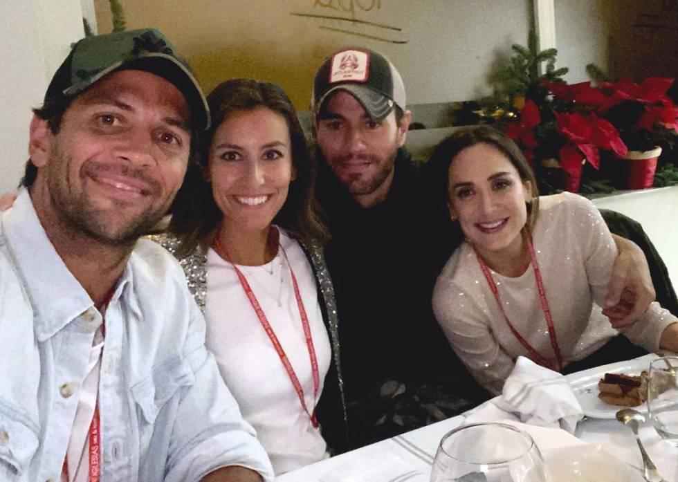 Tamara Falcó junto a dos de sus hermanos, Enrique Iglesias y Ana Boyer, y la pareja de esta última, el tenista Fernando Verdasco, tras el concierto de Enrique en Madrid, a principios de diciembre.