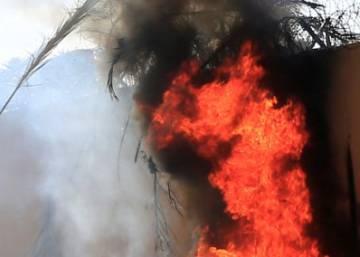 Manifestantes rodean y asaltan la Embajada de EE UU en Bagdad