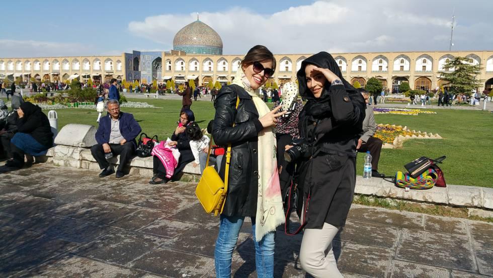 Plaza del Imán, la más bella y monumental de Isfahan (Irán).