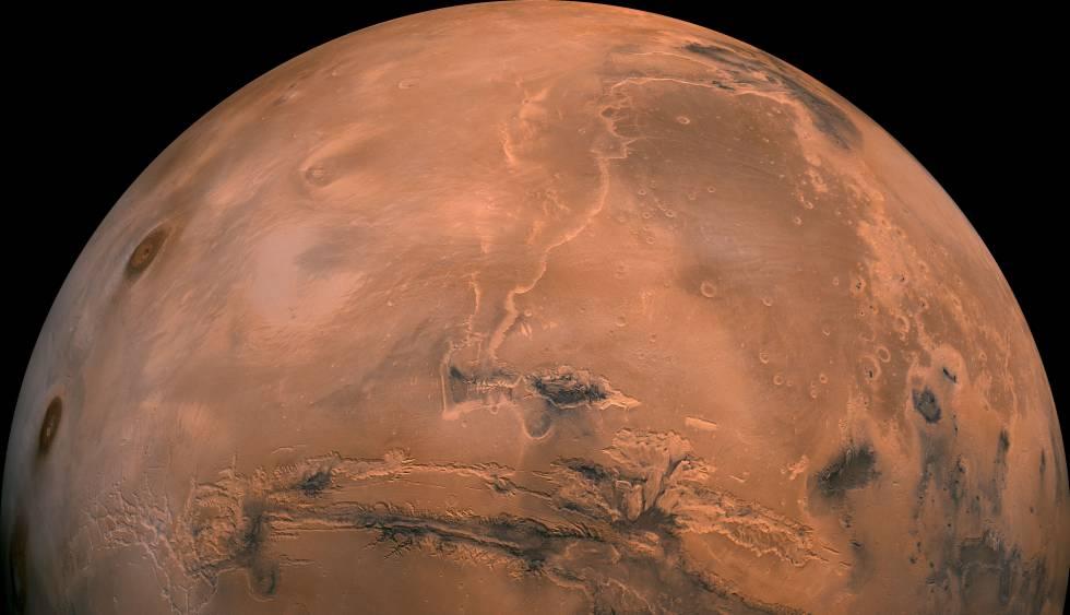 Vista general de Marte obtenida por el orbitador 'Viking' de la NASA, En el centro, el valle Marineris, uno de los cañones más profundos del sistema solar
