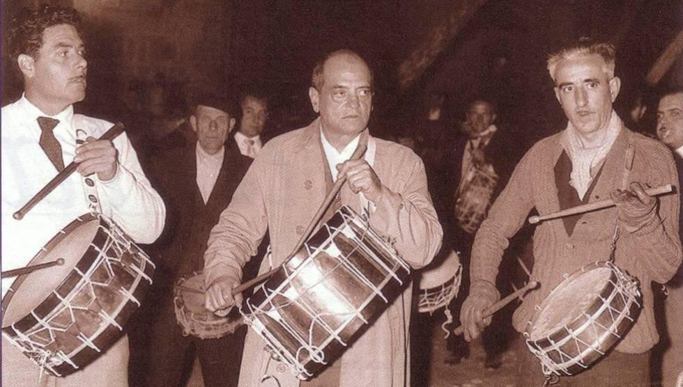 Luis Buñuel durante una Semana Santa en Calanda (Teruel).