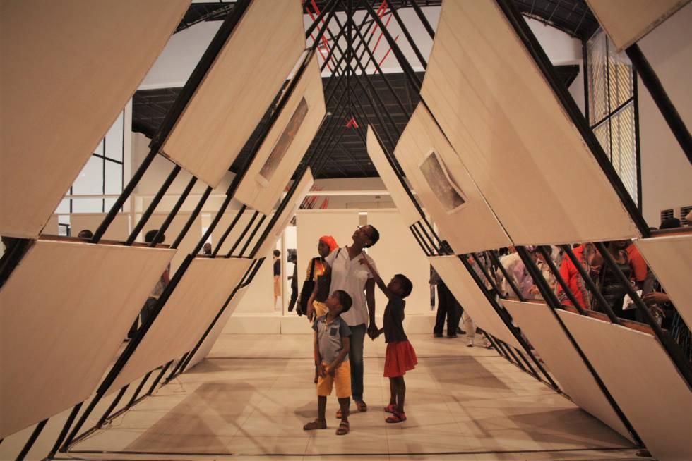 Vista del Museo National de Malí, Palais de la Culture, durante la celebración de la Bienal de Fotografía que comenzó el pasado noviembre.