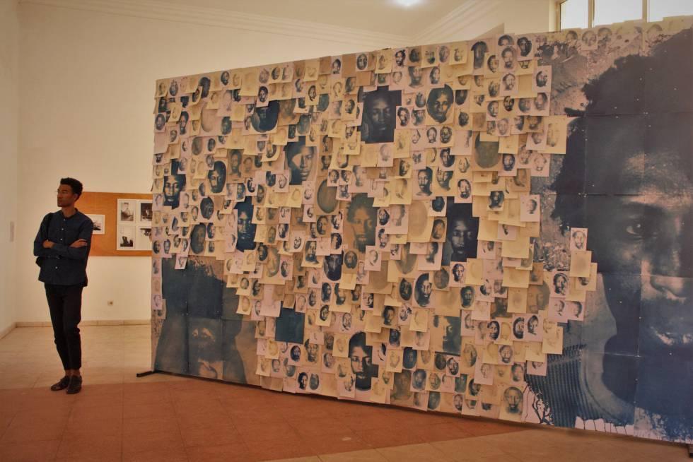 Obra de Eric Gyamfi, en la Bienal de Bamako (Malí) 2020.