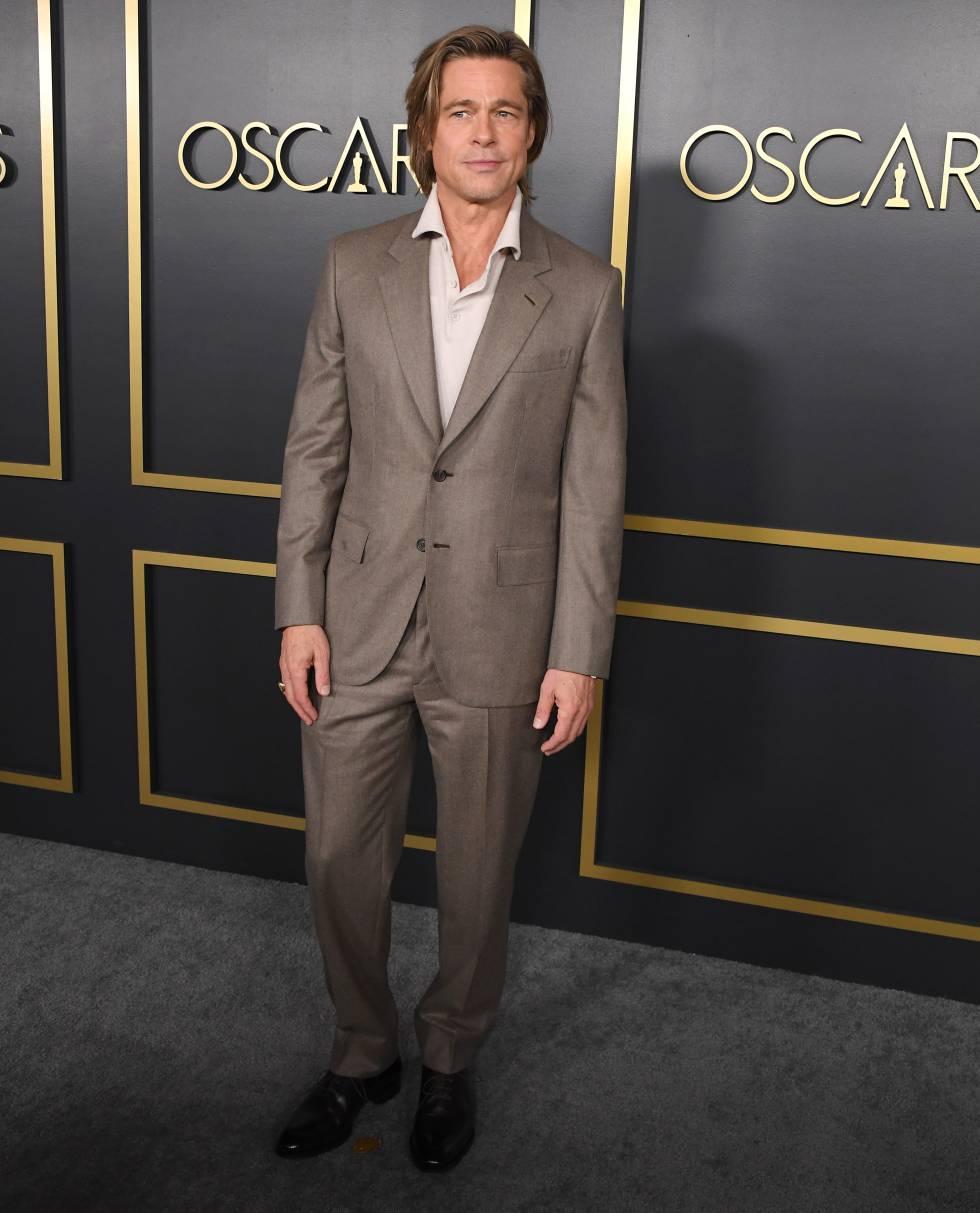 El actor optó por llevar un traje claro. Una elección que pocos físicos masculinos toleran (especialmente en pleno invierno) pero que, en su caso, resultó ser un acierto.