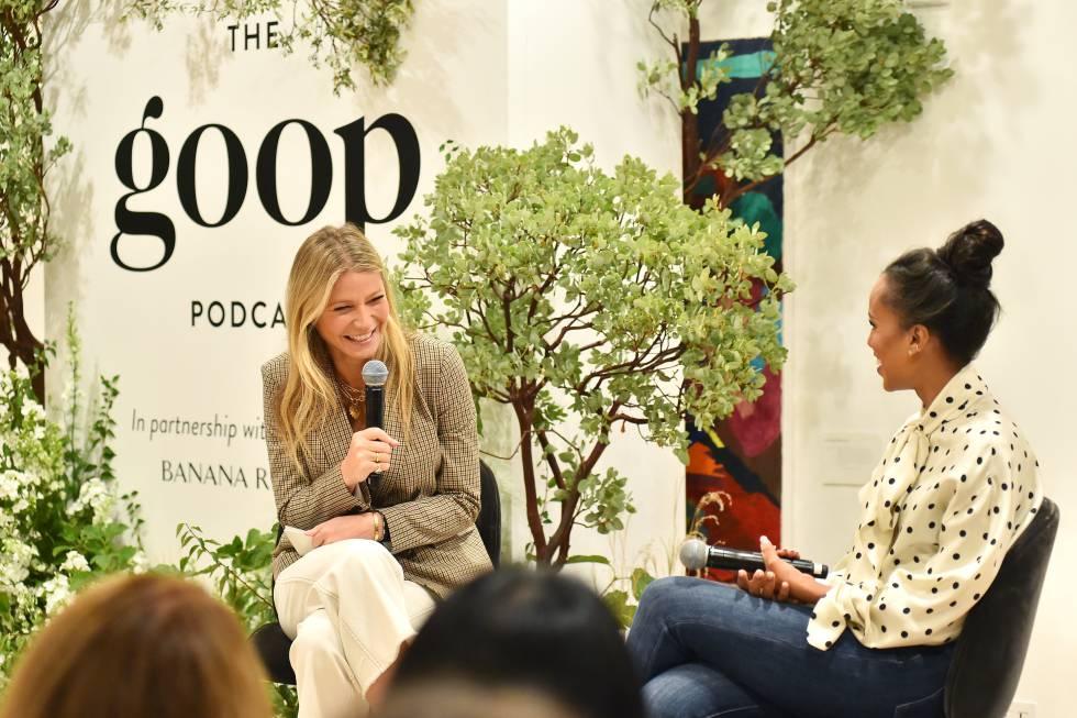 Gwyneth Paltrow spricht mit der Schauspielerin Kerry Washington in einem Podcast ihrer Marke Goop, der im September 2019 in Los Angeles aufgenommen wurde.