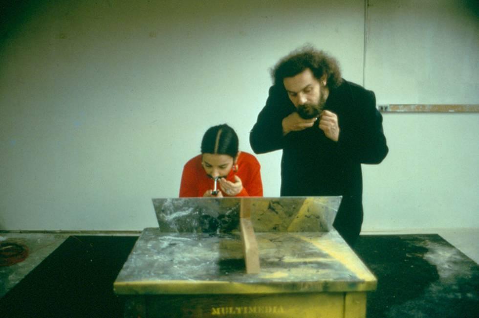 Ana Mendieta y su esposo, Carl Andre, en una 'performance' conjunta.