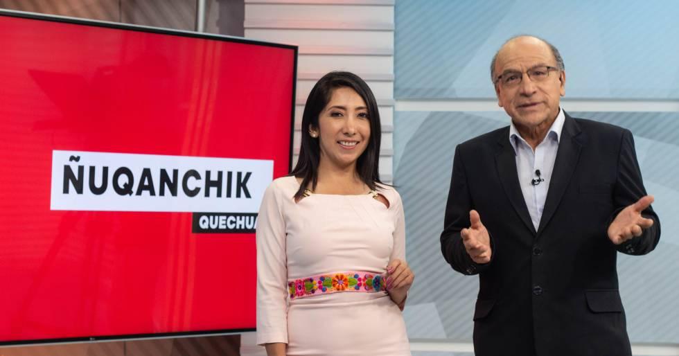 Clodomiro Almeyda e Iris Cárdenas, conductores del noticiario en quechua 'Ñoqanchik'.