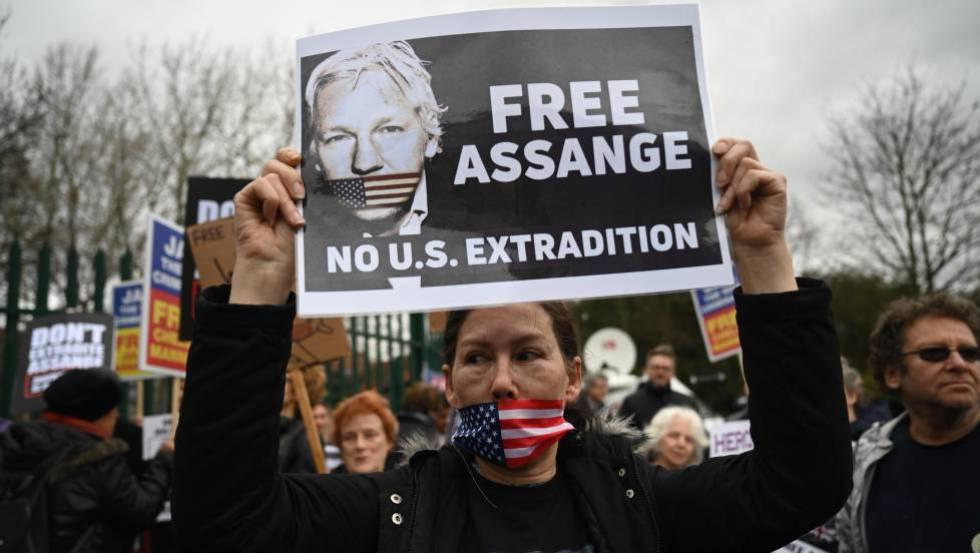 Protesta en apoyo a Julian Assange la semana pasada Londres.