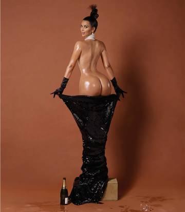 En 2014, Kim Kardashian hizo arder las redes con su desnudo en la portada de 'Paper mag'.