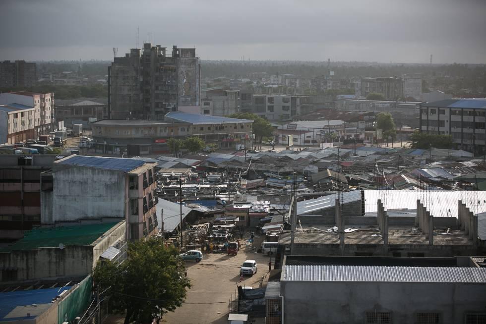 El ciclón Idai arrancó la mayoría de los tejados en los edificios de Beira.