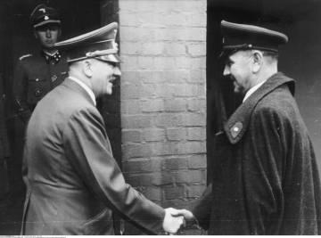 Hitler y Pavelic en 1944.