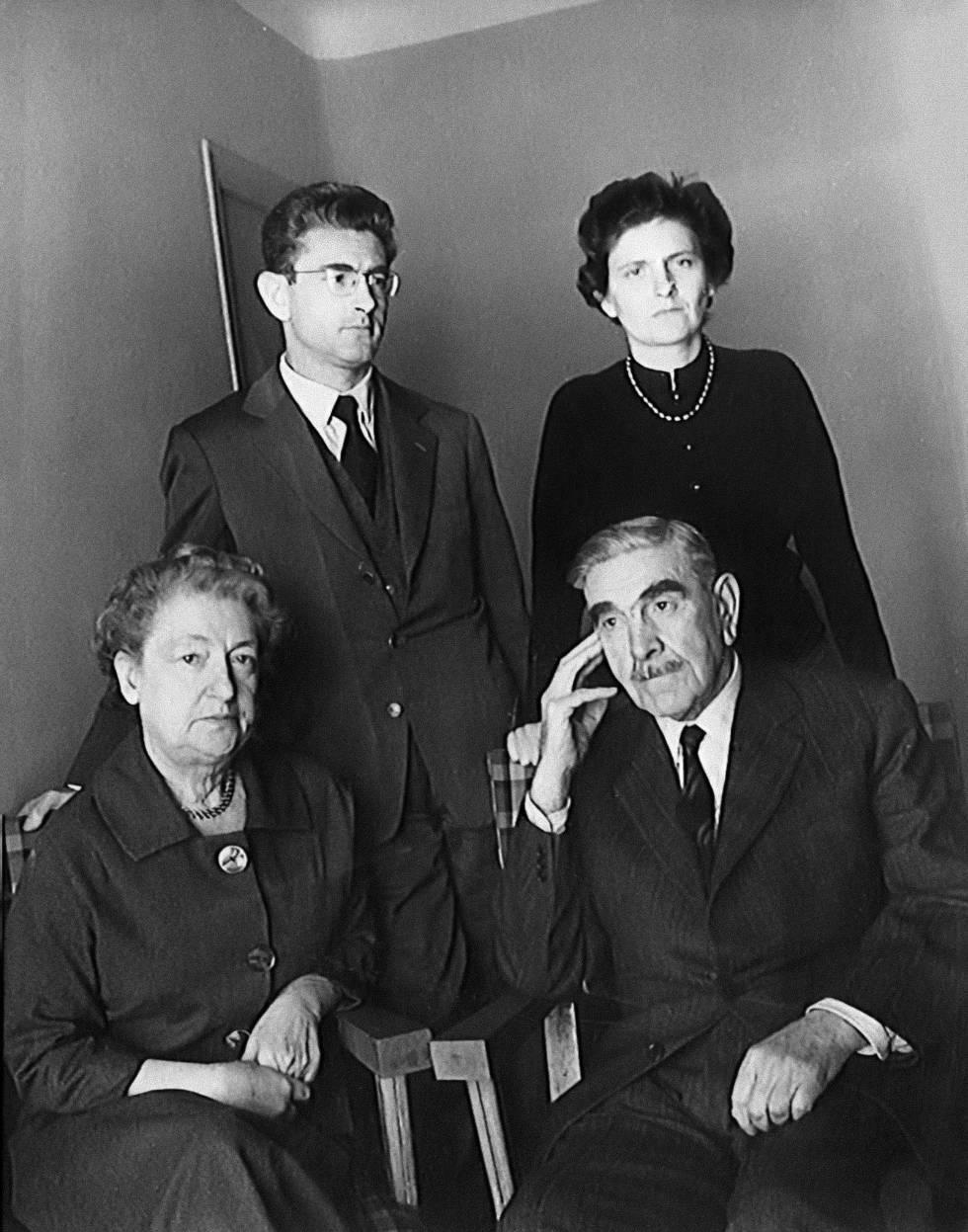 El último retrato de la familia Pavelic, tomado en 1959 en Madrid meses antes de la muerte del dictador croata en la capital española.