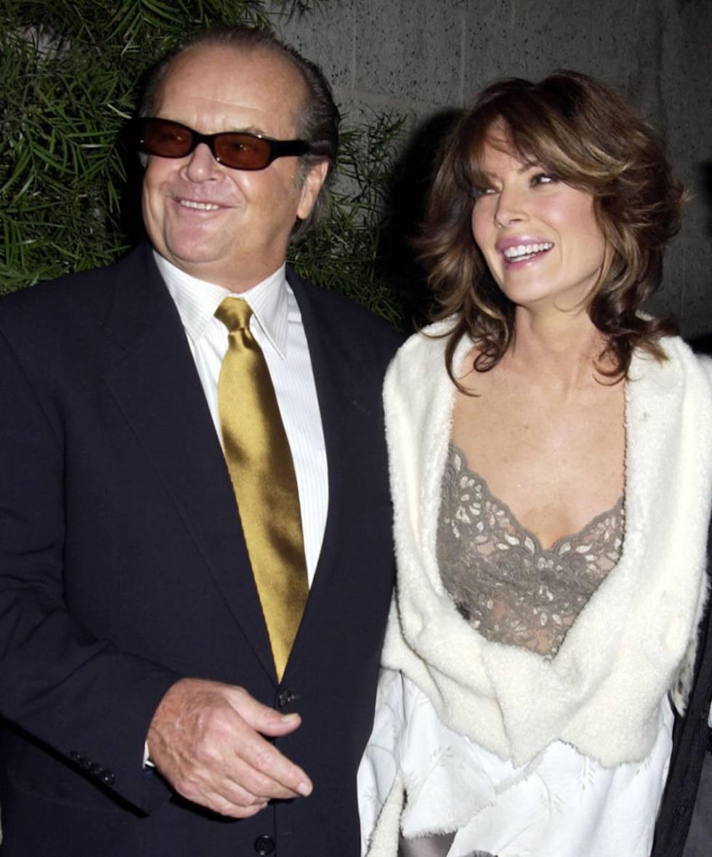 Lara Flynn Boyle con su expareja Jack Nicholson en el estreno de 'A propósito de Schmidt' en 2002 en Los Ángeles.
