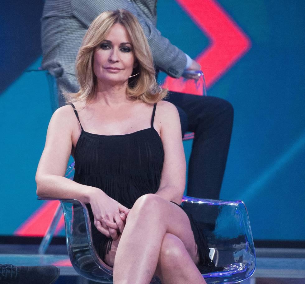 Olvido Hormigos fotografiada en un plató de televisión en 2017, cuando tras el escándalo se convirtió en un personaje habitual de la cadena Telecinco.