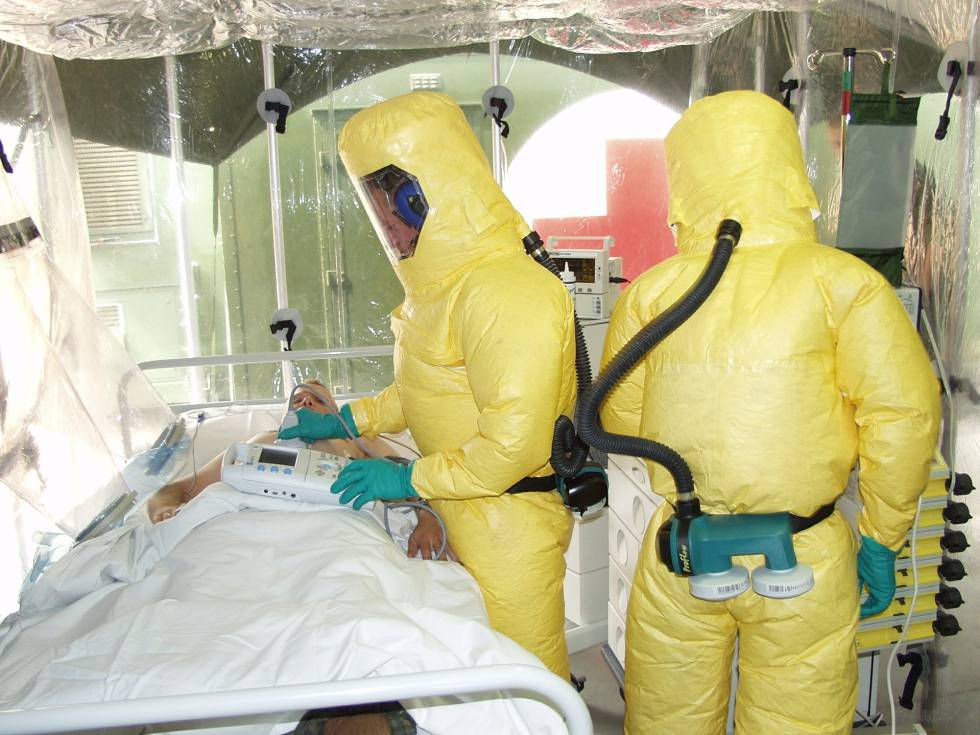 Las medidas de aislamiento para tratar a los pacientes infectados por ébola son extremas.