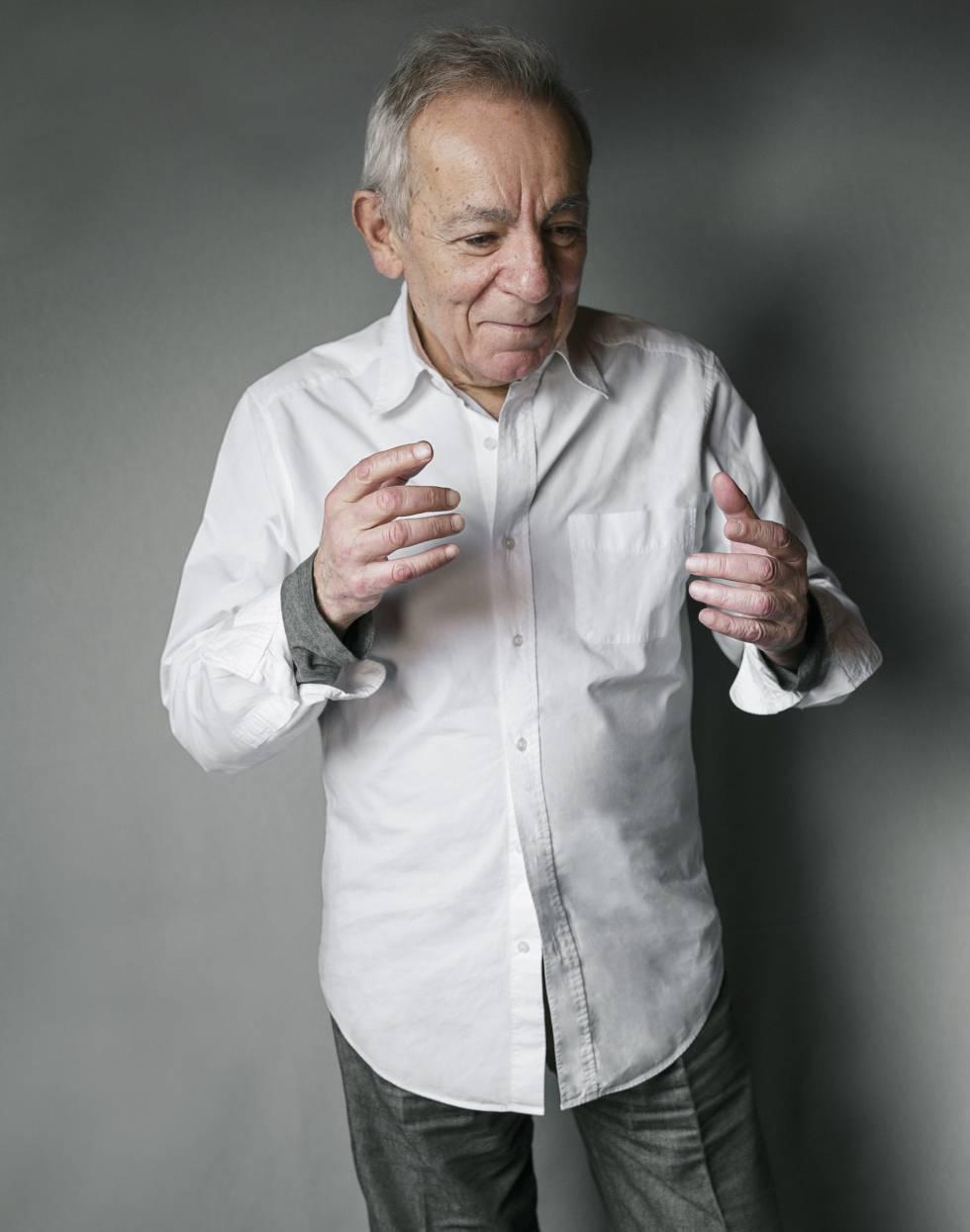 José Luis Gómez en su casa de Madrid.