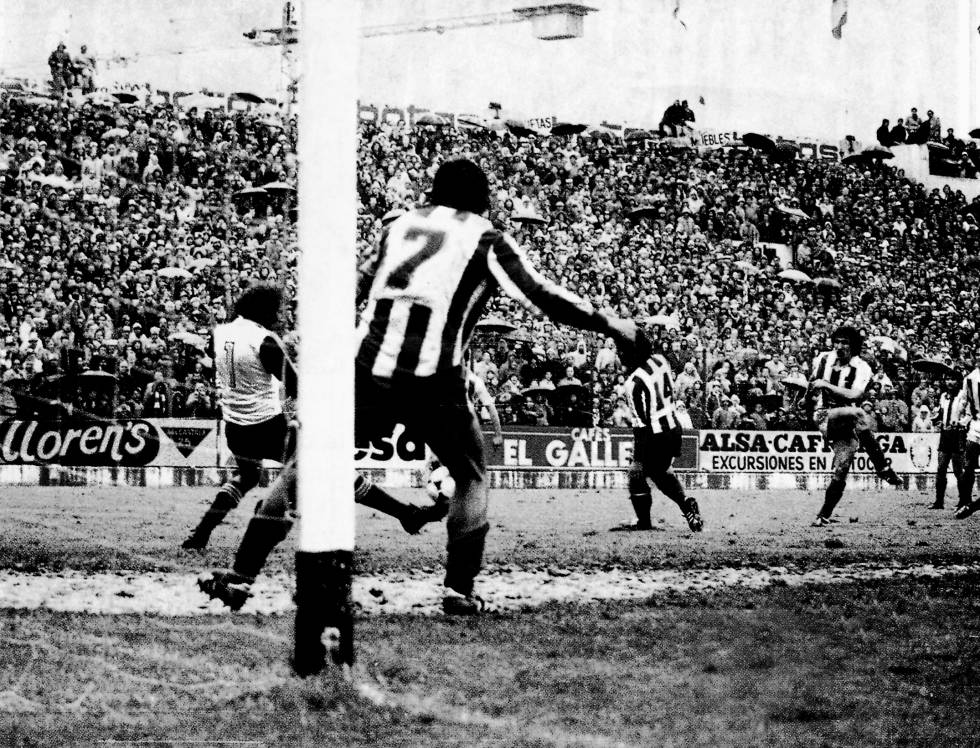 Zamora marca el gol que le da la liga a la Real. Esta frase sigo sonando celestial.