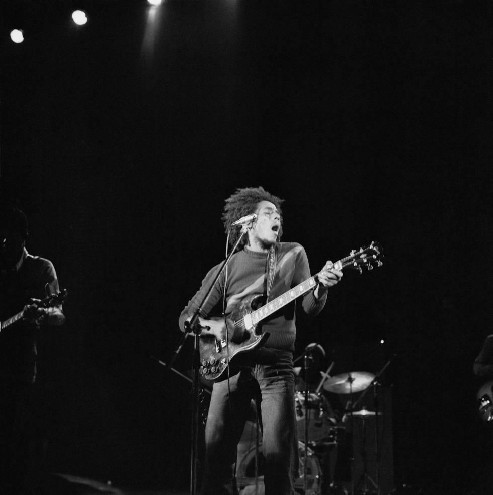 Bob Marley en uno de los conciertos de The Wailers de la mítica gira de 1973.