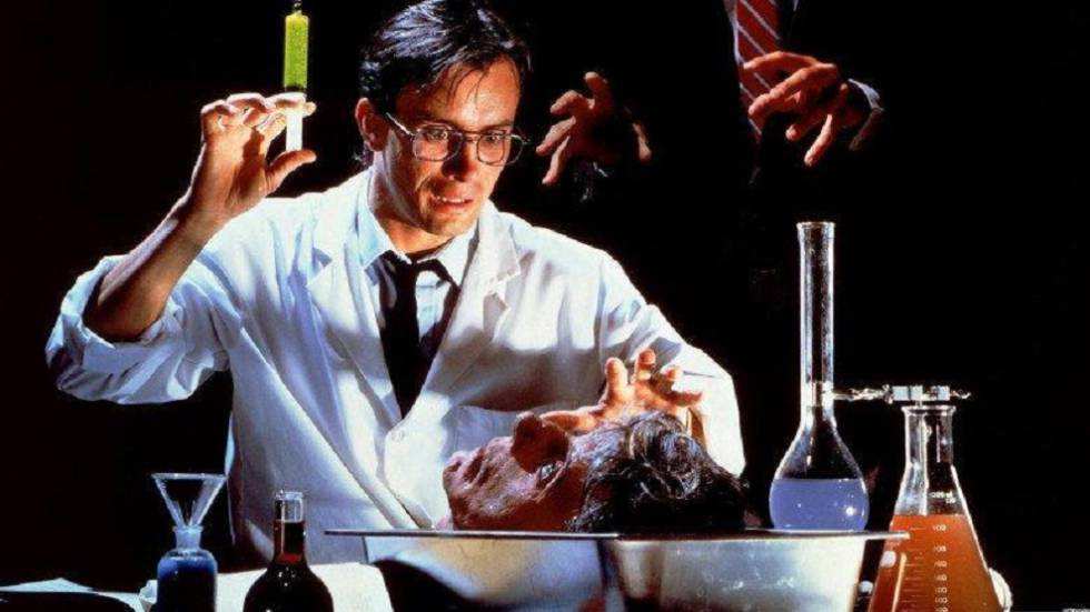 Fotograma de la película 'Re-Animator' de Stuart Gordon, basada en la obra de H. P. Lovecraft.