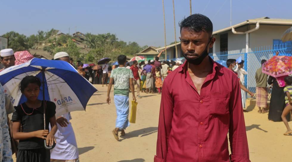 Sagir Ahmed, de 33 años, en el campo de refugiados de Kutupalong, en Cox's Bazar, donde reside, el 1 de abril de 2020.