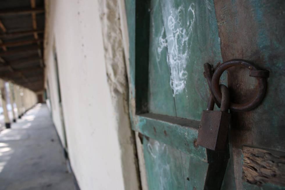 Escuela cerrada en Mithapukur, Bangladesh