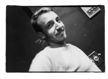 Peter Hook, bajista de New Order en una imagen de 1982.