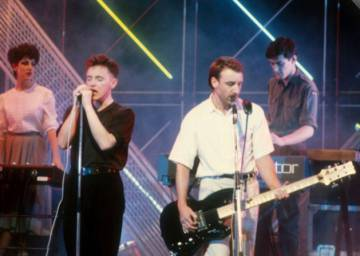 New Order interpretando 'Blue Monday' en el programa televisivo 'Top of the pops en 1983.