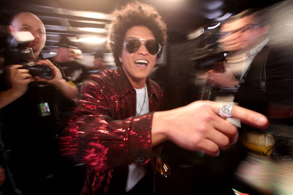 Bruno Mars en los premios Grammy de 2018 celebrados en Nueva York.