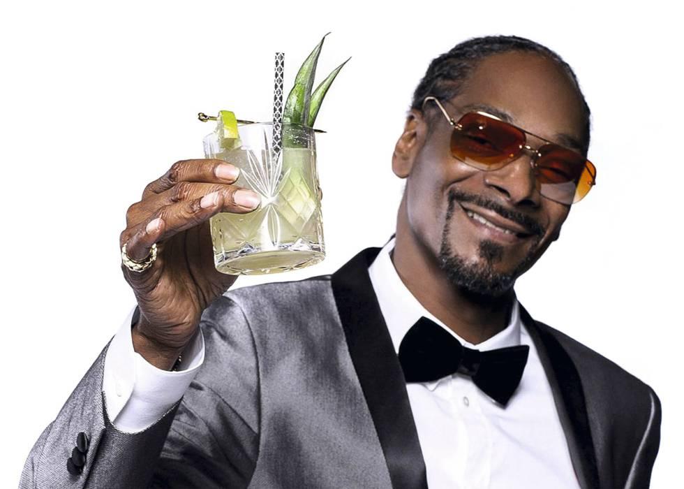 El rapero Snoop Dogg y su célebre Gin & Juice