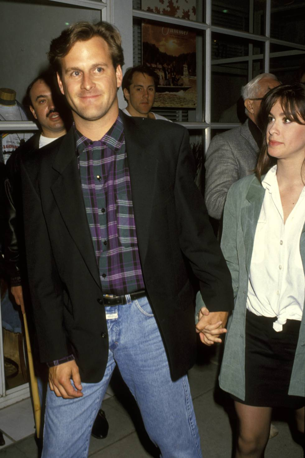 El actor Dave Coulier y Alanis Morisette, entonces su pareja, en el estreno de la película 'Indian Summer' en Los Ángeles en 1993. Alanis todavía no era la superestrella en la que se convirtio dos años más tarde.