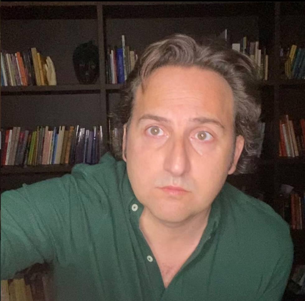 El presentador Iker Jiménez en su casa.