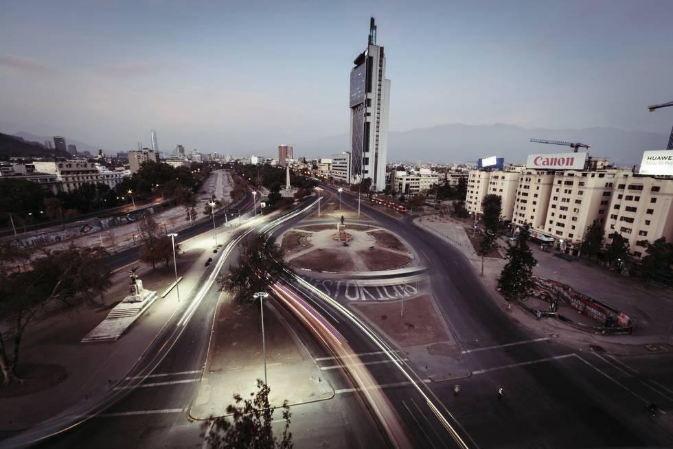 A Plaza Baquedano, também conhecida como Plaza de la Dignidad, em Santiago, antigo epicentro das manifestações chilenas.
