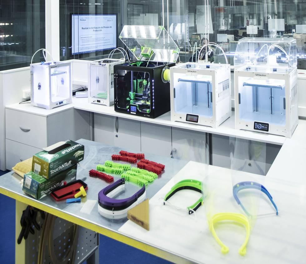 Las viseras de protección individual que elabora el gigante aeronáutico Airbus se elaboran en cuatro de sus fábricas españolas. En foto, la de Illescas (Toledo), que también produce batas de plástico.rn