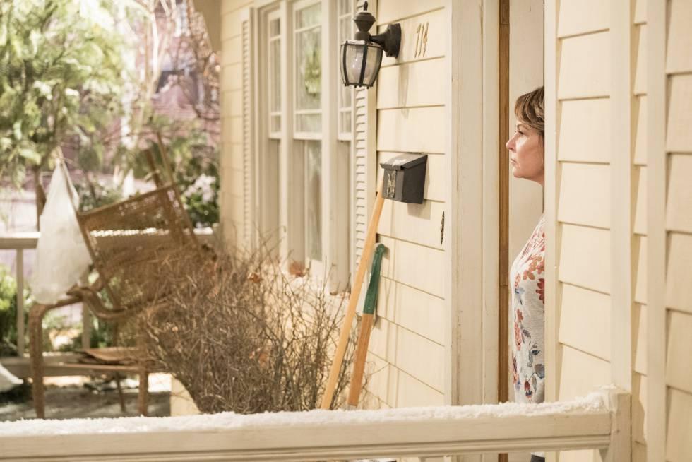 Roseanne Barr lo sabe: un mal tuit y no te atreves ni a salir de casa.