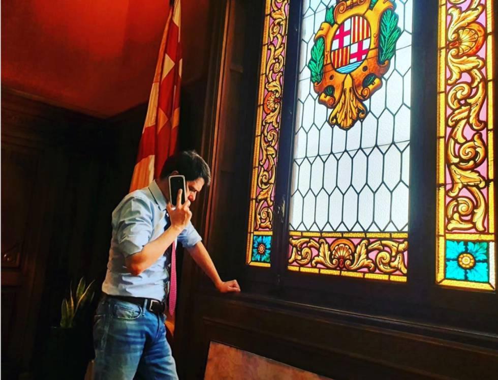 En la cuenta de Instagram de Castells Berzosa se le puede ver con gesto preocupado.