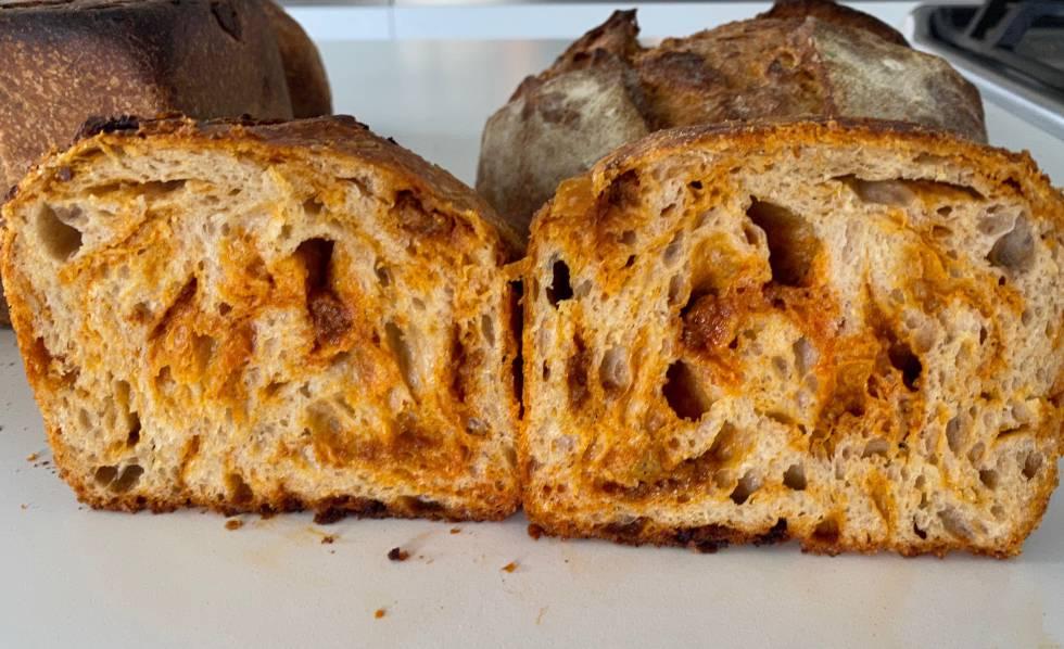Pan de molde con sobrasada. J.C.CAPEL