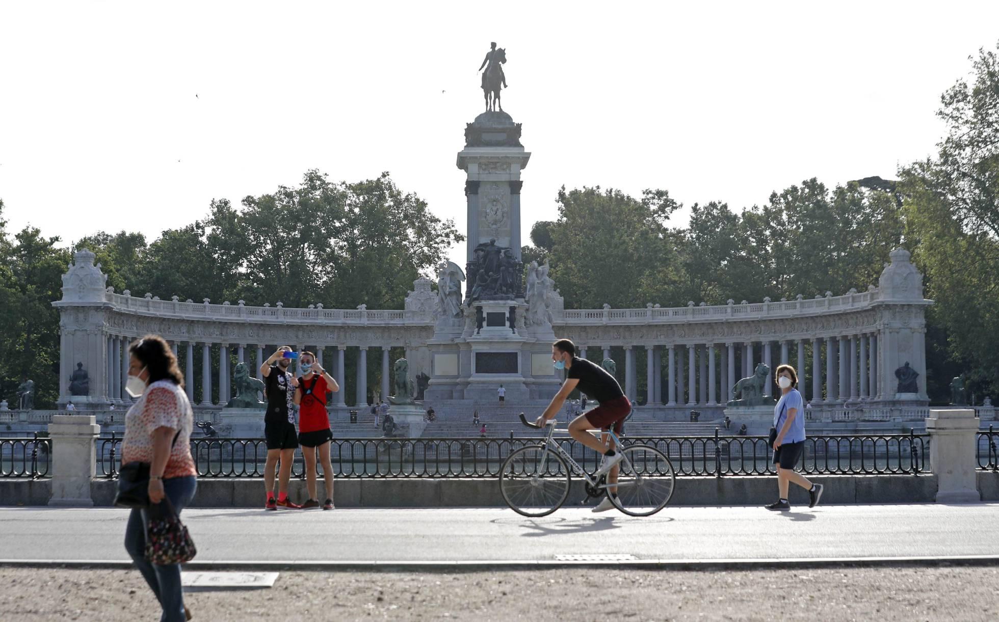 Fotos: Desescalada: Madrid, Barcelona y Castilla y León entran en ...