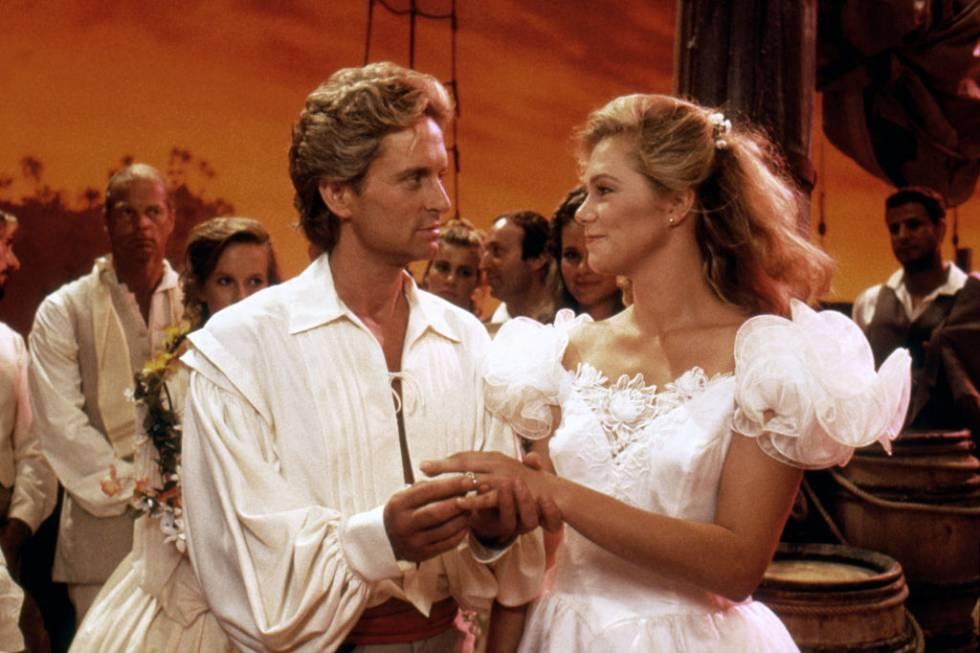 Escena de 'La joya del Nilo', una de las varias películas que rodó con Michael Douglas.
