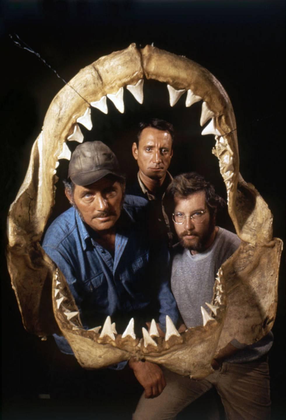 Robert Shaw, Roy Scheider y Richard Dreyfuss en una imagen promocional de 'Tiburón'.
