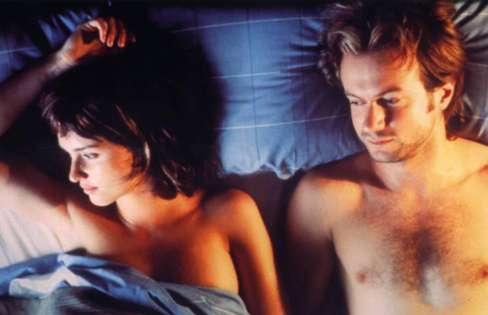Paz Vega y Tristán Ulloa en la película 'Lucía y el sexo' (2001).