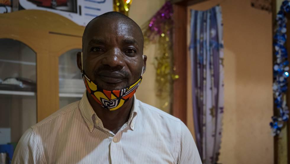 Williamson Kajibwami, un congoleño de 46 años, fundó en el 2017 la Asociación de Refugiados para el Desarrollo (RAD) en Uganda.