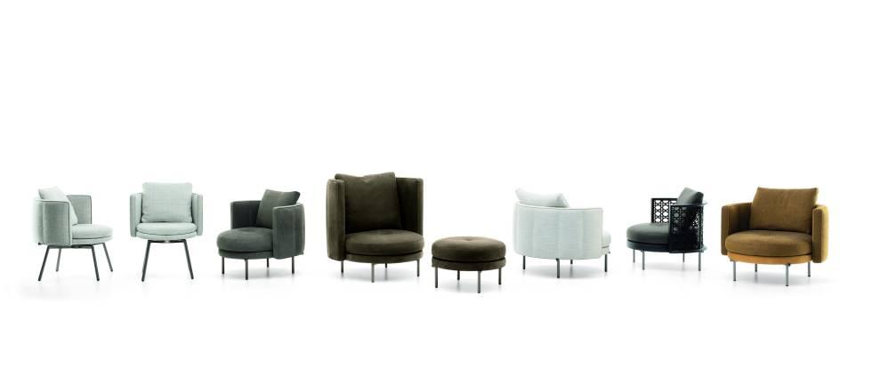 La estructura metálica de las patas de los asientos y las mesas es el guiño de Nendo a la imagen del