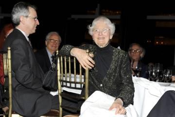 Denise Scott Richards, en la cena de los premios de la Fundación Vicelk celebrada en el Hotel Mandarin Oriental de Nueva York en 2009.