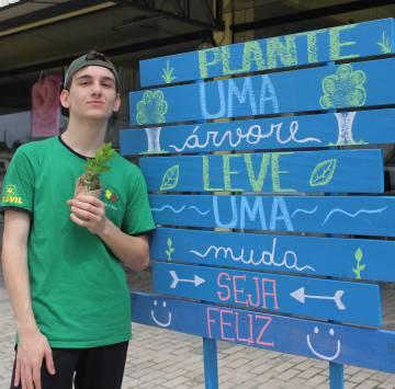 Vitor Zanellato, fundador de 'Plantando un futuro'.