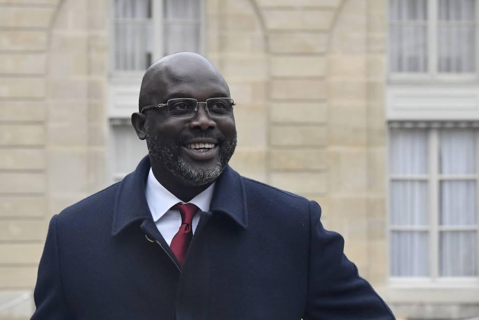 George Weah, presidente de Liberia, durante una visita oficial a París.