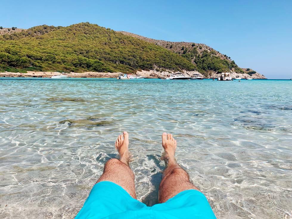 Contra la playa: cómo acabamos adorando el lugar más incómodo del mundo