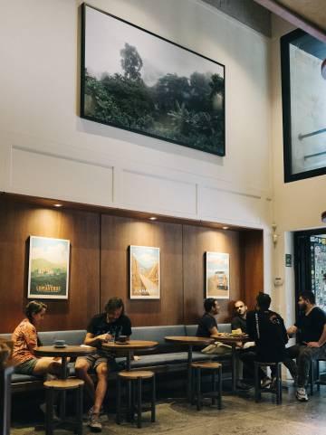 Café Pergamino, en Medellín, uno de tantos locales gourmet en torno al café que siguen las pautas de la cultura del vino en las catas.