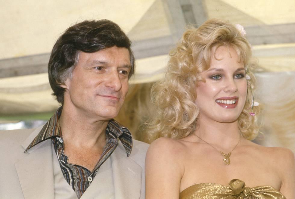 Hugh Hefner y Dorothy Stratten en 1979, el año en que ella se hizo con la más alta consideración de la que puede gozar una modelo de Playboy: el título de 'Playmate' del año.